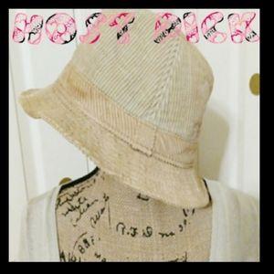 🌸Host Pick 🌸BOGO 💕Nine West tan Hat